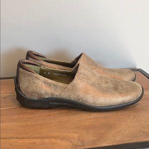 DONALD J PLINER Metallic Gold Sport Loafers